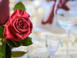 Liebesgeflüster bei Kerzenschein